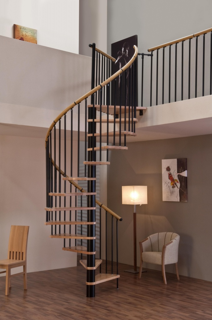 Деревянные уличные лестницы для дачи 184